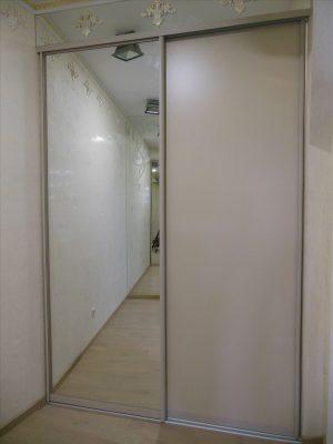 Шкаф-купе встроенный 1700 зеркало/МДФ пластик